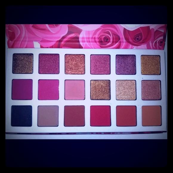 DGAFO Other - 2/$20 🌺 DGAFO Eyeshadow Palette 🌺